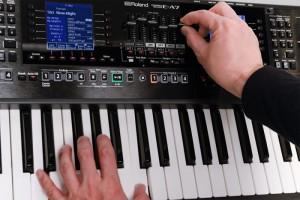 đàn organ Roland E-A7 11
