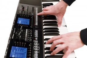 đàn organ Roland E-A7 9