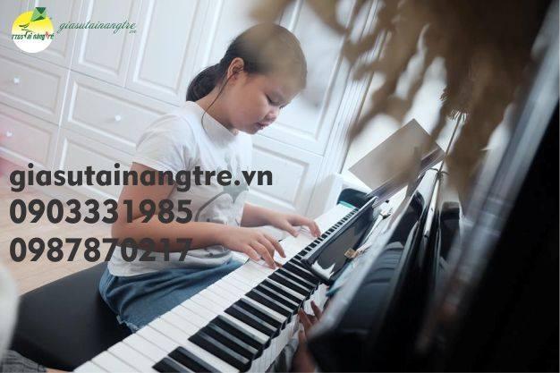 Gia sư dạy kèm đàn Organ tại quận 5