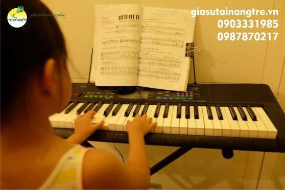 Gia sư dạy kèm đàn Organ tại quận 8